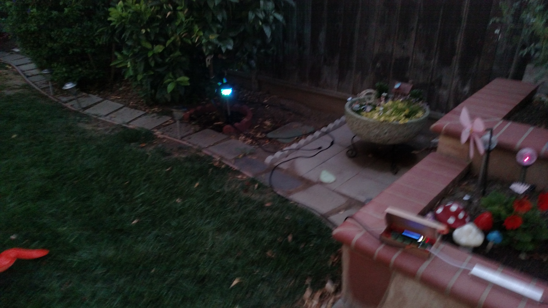 Project pixel garden pathway light conversion page 4 for Garden conversion